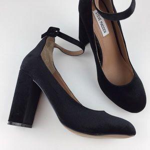 Steve Madden Black Velvet Mary Jane Heels 8
